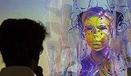 Björk Yeni Sergisinin Açılışına Canlı Avatar Olarak Katıldı!