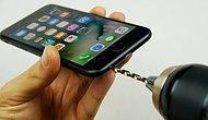 Kulaklık Girişi Olmayan iPhone 7'ye Matkapla Kulaklık Girişi Açan Rahatsız Adam