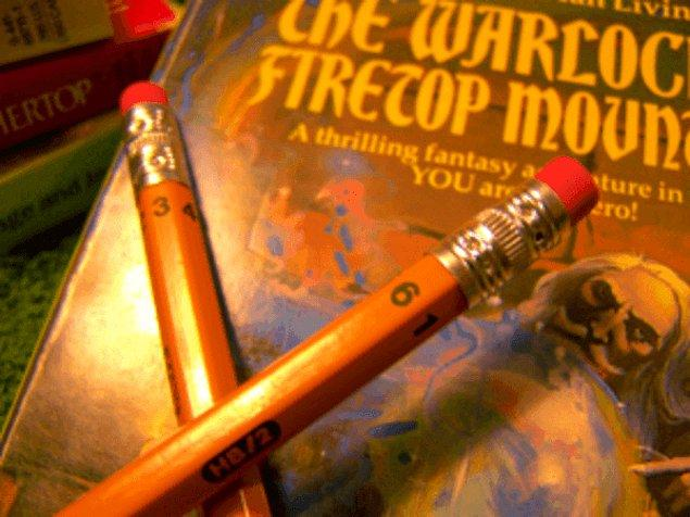 3. Zarınız yoksa altıgen kurşun kalemleri zar olarak kullanabilirsiniz.
