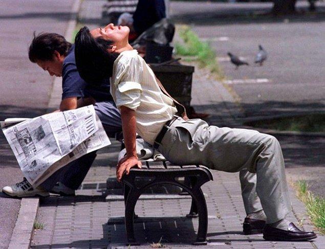 Erkekler yorgunluk karşısında kadınlardan daha fazla hastalık izni alıyor