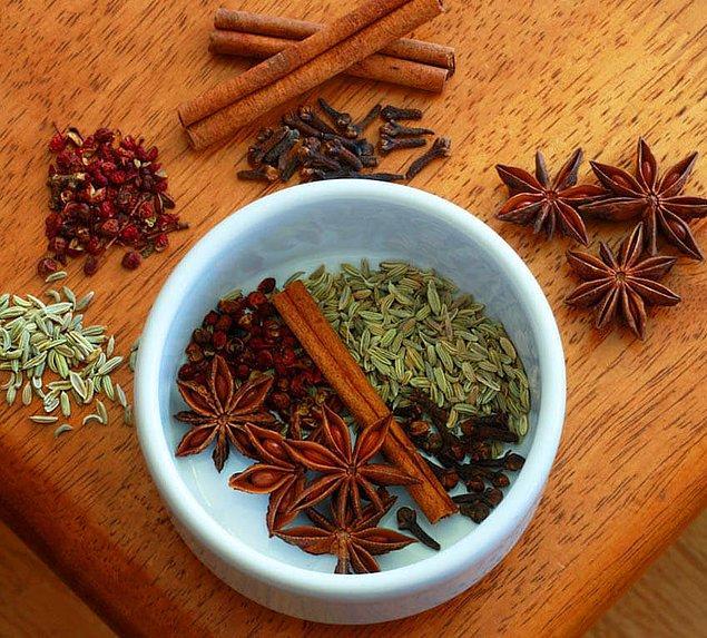 6. Chinese Five Spice (Çin), adı üstünde tam tamına 5 baharatın karışımı!