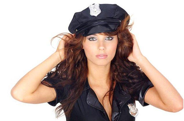 9. Polis