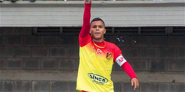 15. Juan Camilo Hernández