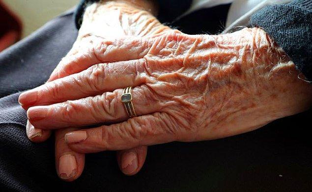 Fakat South Tyneside'da yaşayan çift, belediyenin yaşlı kadın hastaneden çıktıktan sonra çiftin aynı huzurevinde kalmasına izin vermedi...