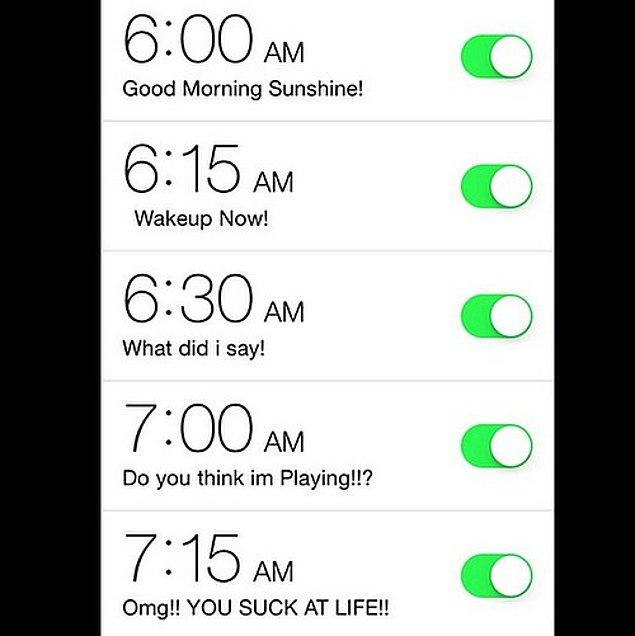 1. Telefonunda 10'ar dakika ara ile en az beş farklı alarm kurar,