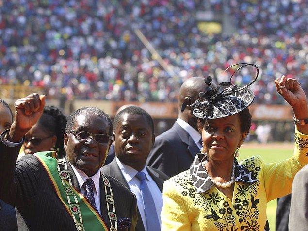 13. 80'li yıllardan bu yana ilişki yaşayan eski Zimbabvedevlet başkanı Robert ve Grace Mugabe