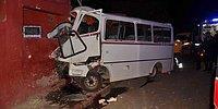 Adana'da İşçileri Taşıyan Minibüs Eve Çaptı: 3 Can Kaybı, 8 Yaralı