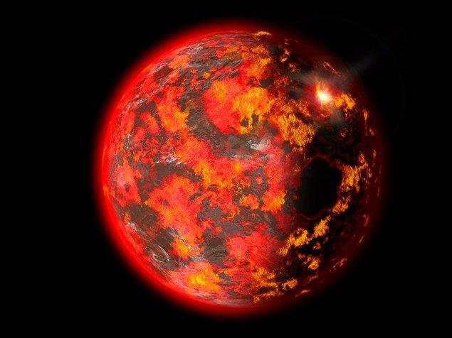 Ayrıca Güneş Sistemi'nde gerçekleşecek herhangi bir çarpışma da kopan parçalarla Dünya'yı yok edebilir.