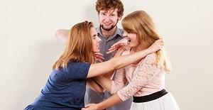 Ablasıyla Sevgilisi Arasında Kalan Bir Erkeğin 11 İçler Acısı Hali