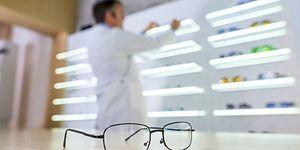 Bir Gözlükçüyü Çılgına Çevirmenin 11 Yolu
