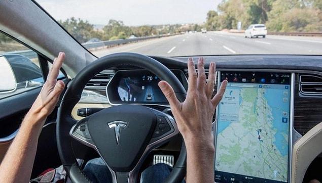 Tesla ne yapsa olay oluyor! Tesla araçlarına gelecek otomatik desteğin yayımlanma zamanı en çok okuduğumuz haberler arasında!