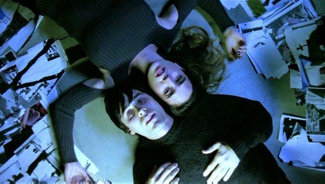 5. Bir Rüya İçin Ağıt (2000)