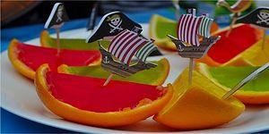 Hem Lezzetleri Hem de Görüntüleriyle Sizi Rengarenk Yapacak 11 Jöleli Tatlı Tarifi