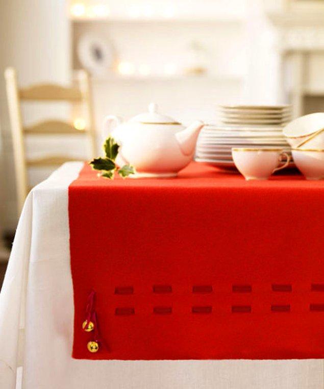 Zilli bir masa için almanız gereken tek şey iğne ve iplik!