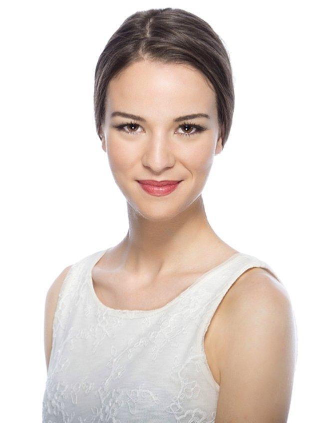 12. Angela (Talulah Riley) - Funda Güray