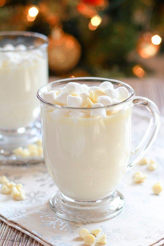 12. Heyecandan yerimizde duramıyoruz: Beyaz Sıcak Çikolata!