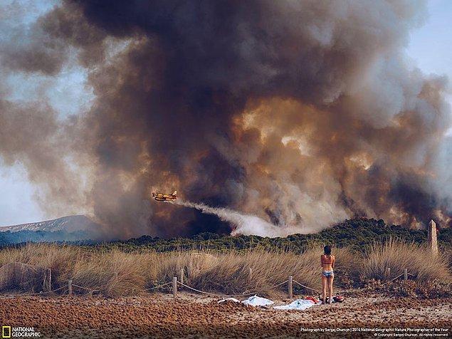 16. Çevresel sorunlar dalında şeref ödülü: Plajda söndürülemeyen yangın, İspanya