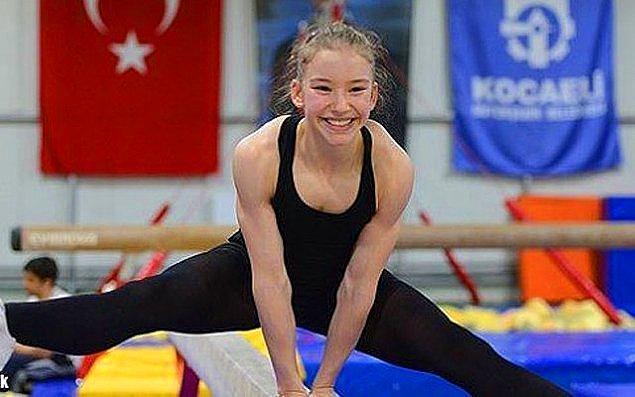 10. 7 Temmuz! 15 yaşındaki Ayşe Begüm Onbaşı, Güney Kore'de Aerobik Cimnastik Dünya Şampiyonası'nda dünya şampiyonu oldu!