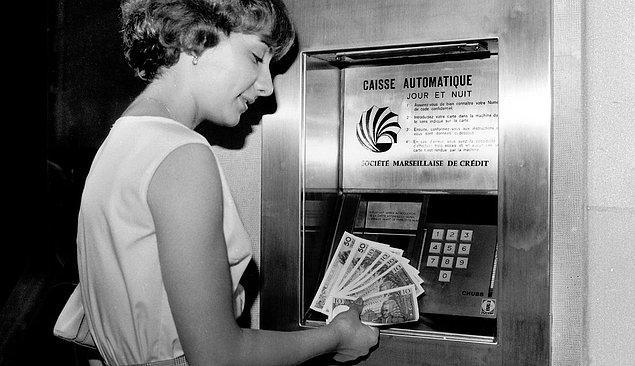 8. Nakdinizi 7/24 çekmenizi sağlayan mekanik bankalar yani ATM'ler icat edildi.