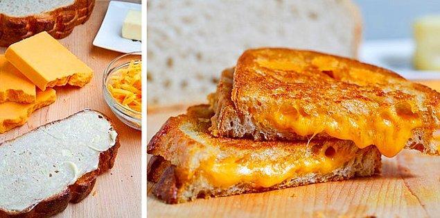 1. Sıcacık tostlar için aslında peynir çok önemli!