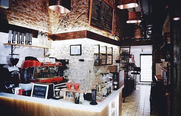 2. Küçücük bir alanda, kocaman bir adamın hayali: Coffee Sapiens