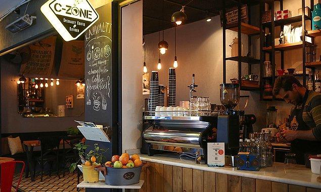 6. Sadece kahve içmeye değil, doymaya da gidebileceğiniz bir mekan: C-zone