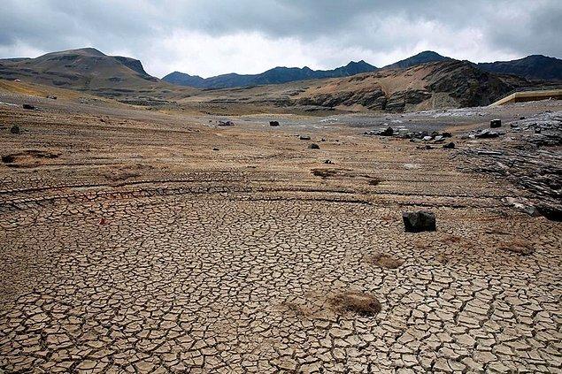 5. Bolivya ülke tarihinin en kötü kuraklığı ile karşı karşıya kalınca ülkede OHAL ilan edildi.