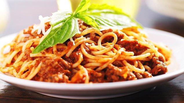 """6. """"İtalyan yemeğinin en kötü tarafı, 5-6 gün sonra tekrar acıkıyor olmanız."""" - George Miller"""