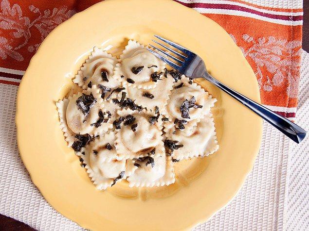 6. İtalya'nın en meşhur lezzetlerinden: Ravioli!