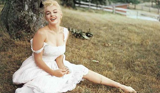 40 Beden Kadın Olmak: Ne Zayıf Ne Şişman Olarak Arafta Kalan ...