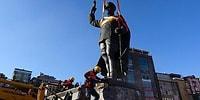 Rize'de Atatürk Heykelinin Kaldırılmasına Gelen Tepkilerden Sonra Belediyeden Açıklama
