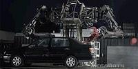 Geleceğin Robotlarında Bugün! Arabaları Bir Oyuncak Gibi Taşıyan Devasa Robot