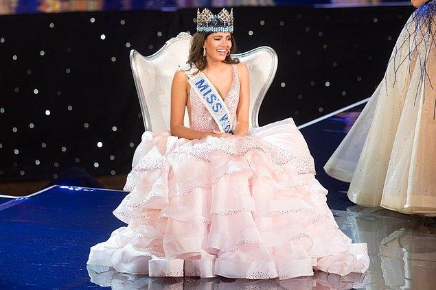 Porto Riko'nun en güzel kadını seçildikten sonra birkaç gün önce de Miss World 2016 yarışmasında birincilik tacının sahibi olarak dünyanın en güzel kadını ünvanını aldı.