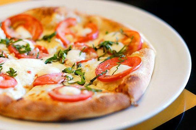 3. Evinde pitası olan yaşadı, pitadan pizza yapıyoruz!