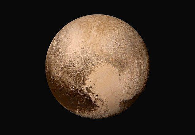 16. Ve cüce gezegenin meşhur kalp şekilli alanının çevresinde pek çok farklı yeryüzü şekli olduğu kanıtlandı.