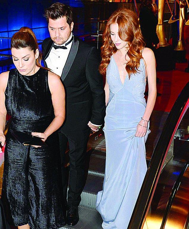 1. Güzel oyuncu Elçin Sangu'nun beş yıllık sevgilisi Yunus Özdiken'den iki aylık hamile olduğu iddia edildi.