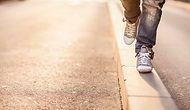 Küçükken Kaldırımdaki Çizgilere Basmadan Yürümeye Çalışan İnsanların 13 Özelliği