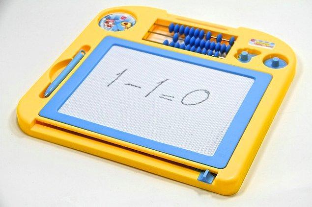 9. Oyuncak yazı tahtası