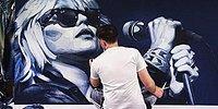 Kot Kumaşıyla İnanılmaz Resimler Yapan Sanatçı