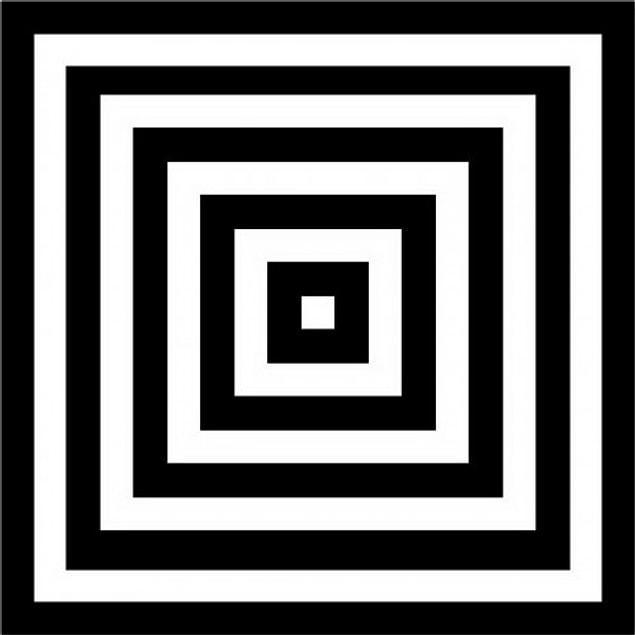 Thorgerson'un temel fikri içiçe dolanan siyah beyaz çizgilerin oluşturduğu sonsuz gidiş veya geliş perspektifiydi.