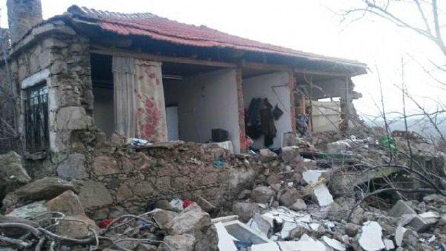 Depremler, Çanakkale dışında Muğla, Aydın, İzmir, Bursa ve Tekirdağ'da da hissedildi.