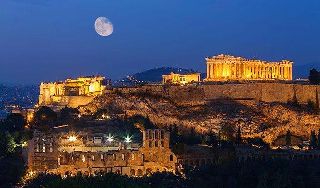 10. Atina