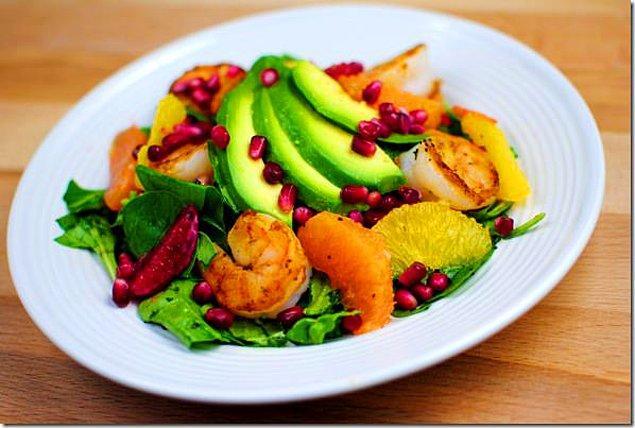 1. Greyfurt ve nar salatanın asit dengesini belirleyecektir.
