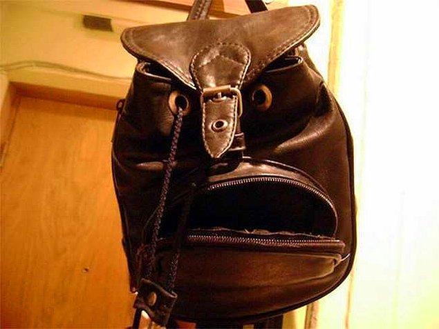 """3. """"Ne demek yeni çanta aldım biz ne güne duruyoruz ulan!??!"""""""