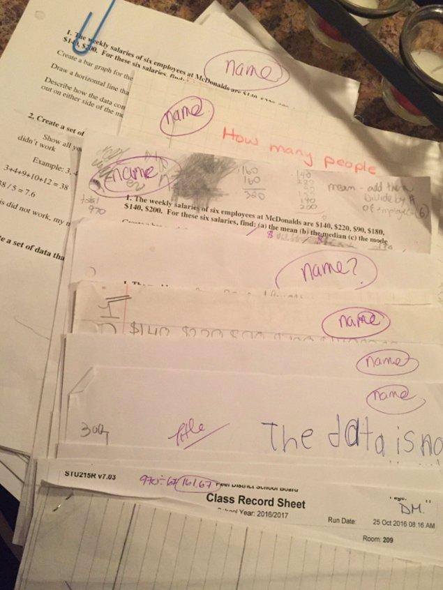 3. Ya da üzerinde isim yazmayan ödevler alırlar.