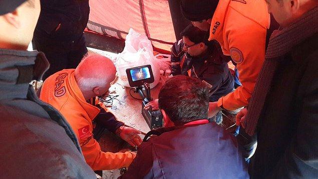 Bir insanın giremeyeceği genişlikte olan derin kuyudaki yavru köpeğin kurtarılması için AFAD, İstanbul İtfaiyesi, AKUT, hayvan hakları dernekleri ve gönüllü hayvanseverler el birliği ile çalıştı.
