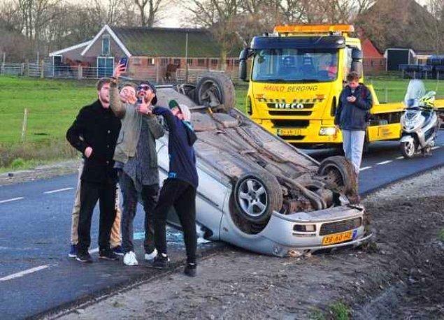 """1. """"Vuhuu takla atmalı büyük kaza, hadi selfie çekelim çünkü çok mantıklı"""""""