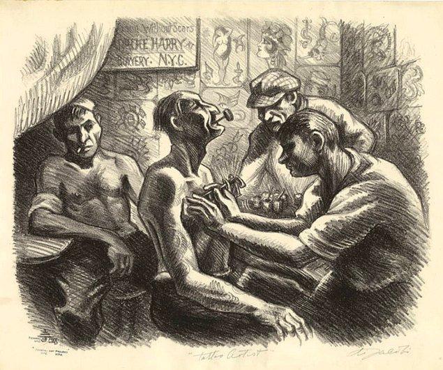 Eskiden askerler vücutlarına yarı çıplak kadın dövmeleri yaptırırlarmış.