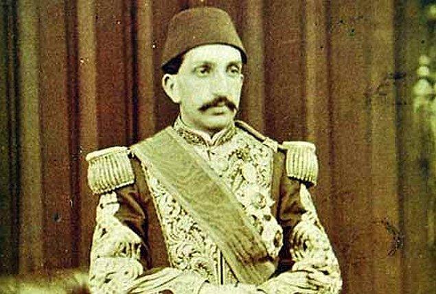 5. Yıldız Mahkemesi'nin üyelerinden Mabeyinci Fahri Bey...