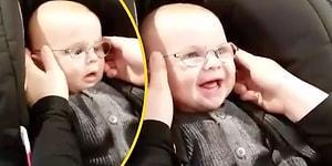 Hayatında İlk Defa Net Gören 5 Aylık Ufaklığın Paha Biçilemez Mutluluğu